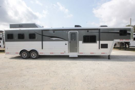 #07479 - New 2018 Bison Laredo 8314SOLB 3 Horse Trailer  with 14' Short Wall