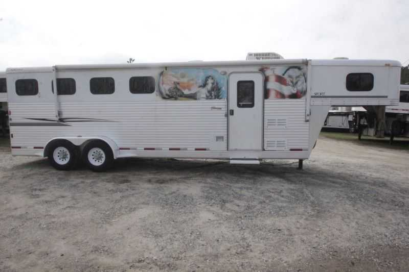 #35054 - Used 2006 Exiss ES407LQ 4 Horse Trailer  with 7' Short Wall
