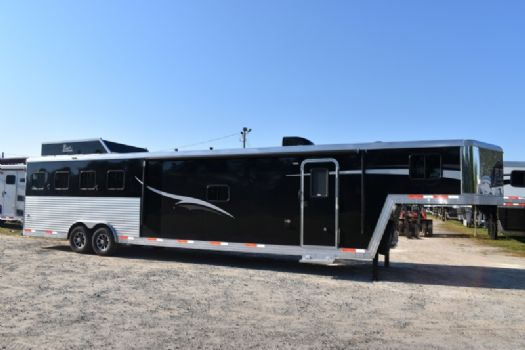 #07370 - New 2018 Bison Laredo 8415SOBSLB 4 Horse Trailer  with 15' Short Wall