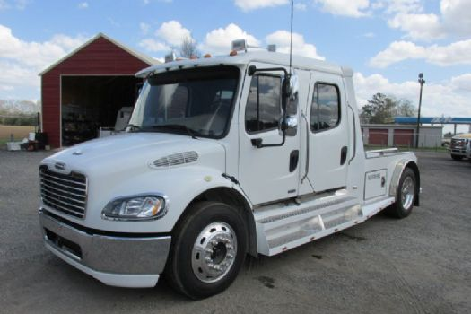 #98819 - Used 2006 Freightliner M2 Truck