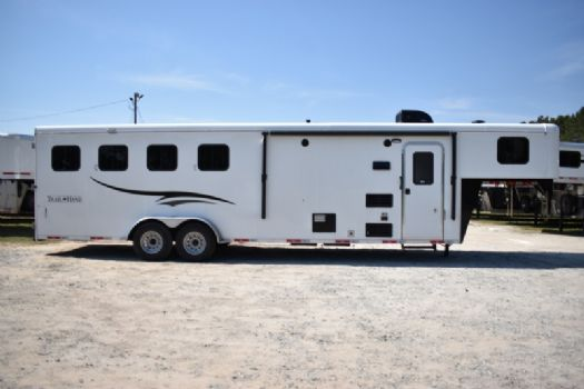 #07499 - New 2018 Bison Trail Hand 7408 4 Horse Trailer  with 8' Short Wall