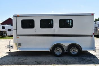 #77569 - New 2018 Bee 3HBPSLDLX 3 Horse Trailer  with 2' Short Wall