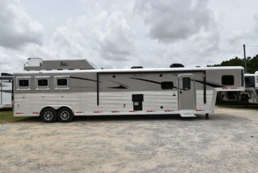 #07618 - New 2018 Bison Premiere 8317SSDSUG 3 Horse Trailer  with 17' Short Wall