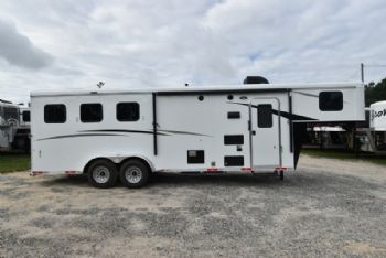 #07626 - New 2018 Bison Trail Hand 7308 3 Horse Trailer  with 8' Short Wall
