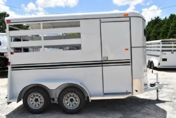 #77578 - New 2018 Bee 2HBPSL 2 Horse Trailer  with 2' Short Wall
