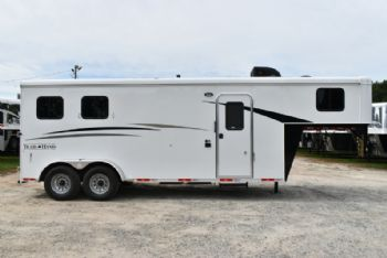 #07666 - New 2018 Bison Dixie Renegade 7206 2 Horse Trailer  with 6' Short Wall