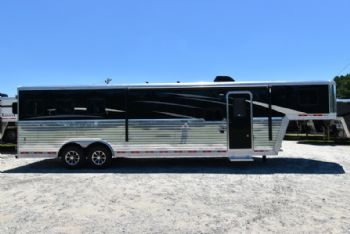 #07734 - New 2018 Bison Laredo 8311SO 3 Horse Trailer  with 11' Short Wall