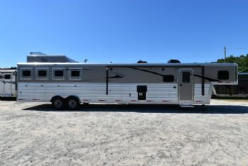 #07730 - New 2018 Bison Premiere 8417SSUG 4 Horse Trailer  with 17' Short Wall