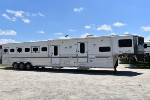 #A4358 - Used 2005 Sundowner Sunlite 725 Grand Sierra 8612GLQ MidTack 6 Horse Trailer  with 11' Short Wall