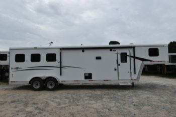 #07758 - New 2018 Bison Trail Boss 7310 3 Horse Trailer  with 10' Short Wall