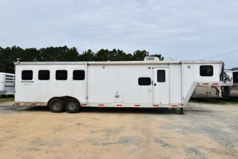#09071 - Used 2007 Bison 8410LQ 4 Horse Trailer with 10' Short Wall