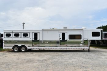 #A4252 - Used 2004 Sundowner 8013LQ Sierra 3 Horse Trailer  with 13' Short Wall