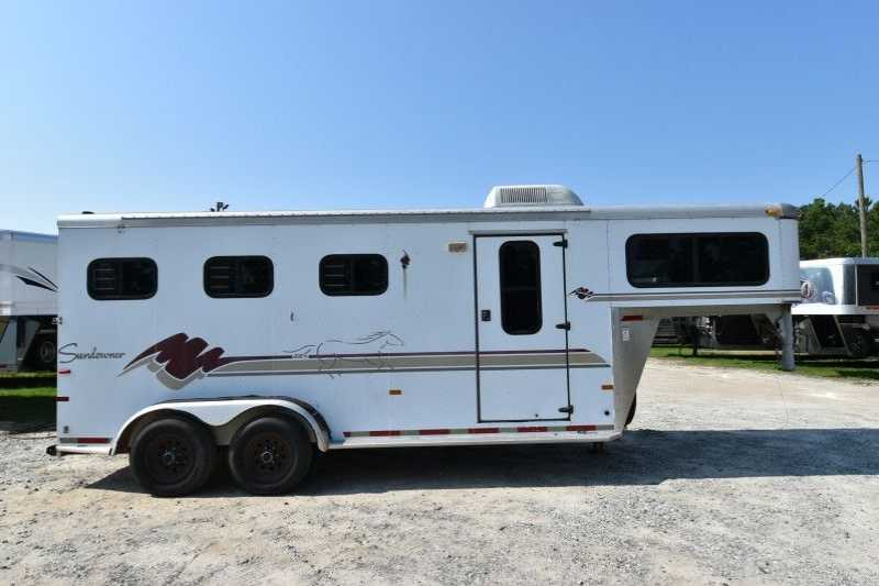 Sundowner Horse Trailers >> Used 3 Horse Sundowner Horse Trailer Gooseneck Horse Trailer
