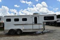 #B7007 - Used 2003 Sundowner 304 Weekender 3 Horse Trailer  with 2' Short Wall