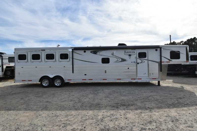 #01614 - New 2018 Lakota 8416SRGLQ Big Horn 4 Horse Trailer with 16' Short Wall