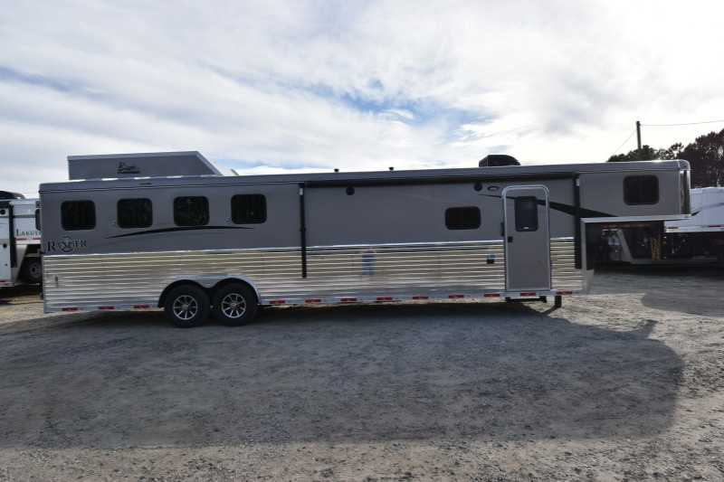 4 Horse Bison Horse Trailer with Living Quarters