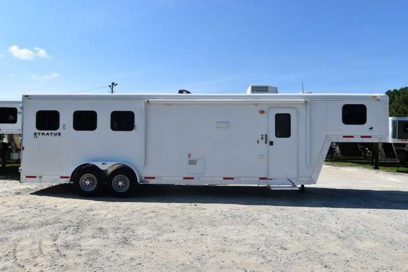 #03338 - Used 2014 Bison Stratus 7310LQ 3 Horse Trailer with 10' Short Wall