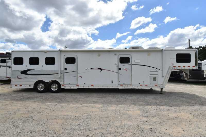 #45968 - Used 2004 Kiefer Built 8312GMT 3 Horse Trailer with 12' Short Wall
