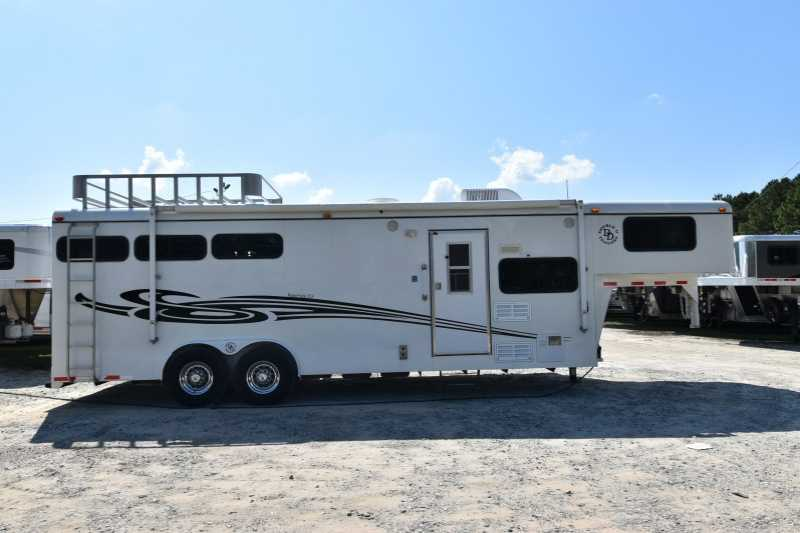D And D Trailers >> Used 3 Horse Double D Horse Trailer With Living Quarters Dixie