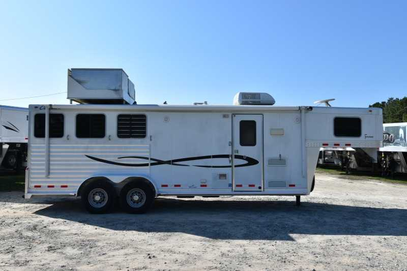#01815 - Used 2007 Cherokee 7306LQ 3 Horse Trailer with 6' Short Wall