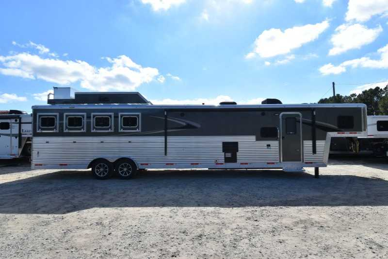 #07683 - New 2018 Bison Silverado 8416SSUG 4 Horse Trailer with 16' Short Wall