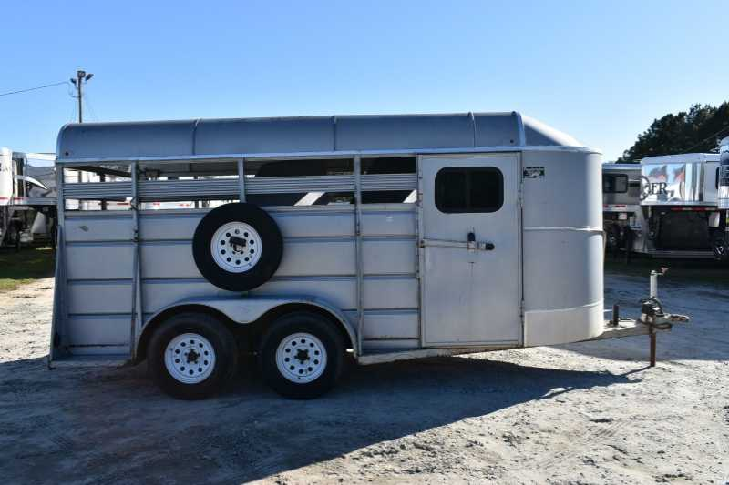 #36978 - Used 2005 Ponderosa 3HBP 3 Horse Trailer with 2' Short Wall