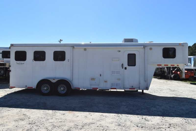 #01864 - Used 2012 Bison Trail Hand 3 Horse Trailer with 8' Short Wall