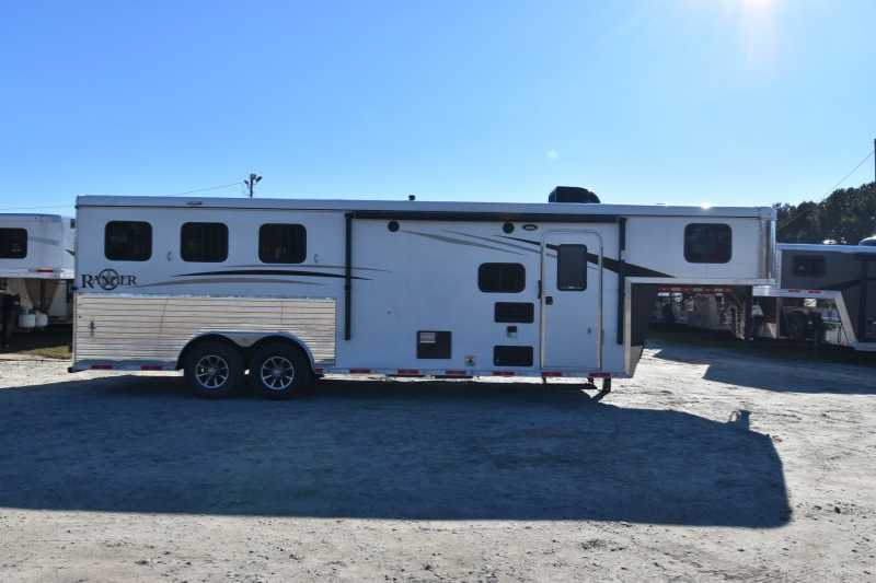 #08126 - New 2018 Bison Ranger 8309 3 Horse Trailer with 9' Short Wall
