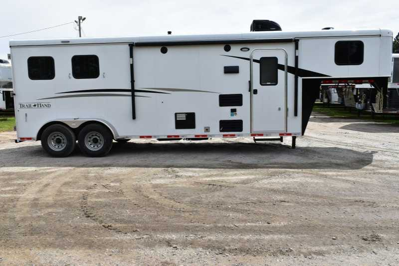 #08139 - New 2018 Bison Trail Hand 7209 2 Horse Trailer with 9' Short Wall