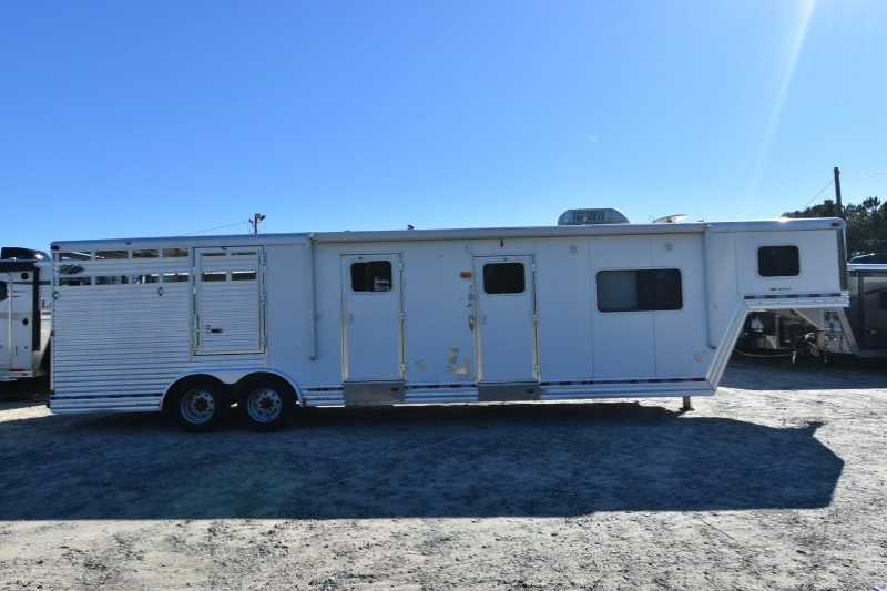 #97117 - Used 2007 Dreamcoach Midtack Stock Trailer with 13' Short Wall
