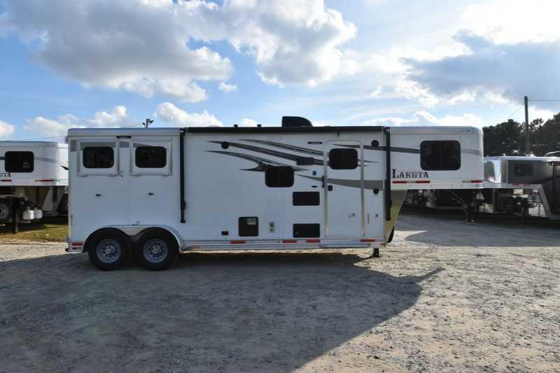 Used 2 Horse Lakota Trailer With Living Quarters Dixie