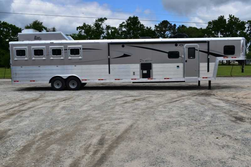 #08149 - New 2019 Bison Premiere 8417SSUG 4 Horse Trailer  with 17' Short Wall