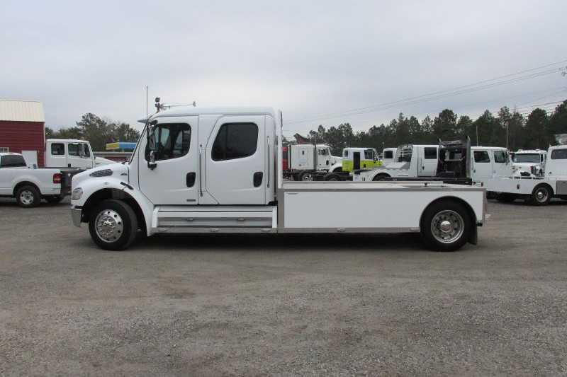 #G4502 - Used 2009 Freightliner M2 Truck