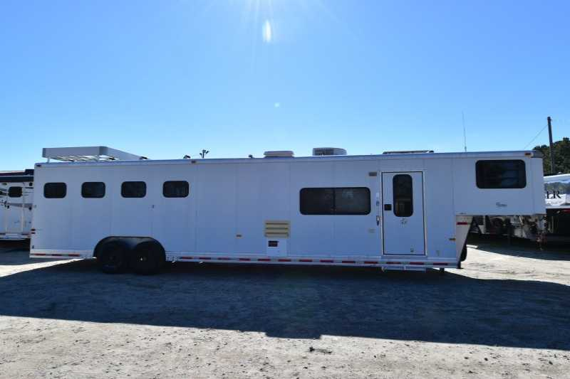 #A0600 - Used 1998 Sundowner 8414LQ 4 Horse Trailer with 14' Short Wall