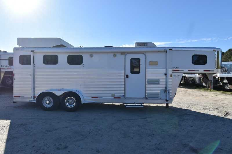 #32470   Used 2005 Exiss 7307LQ 3 Horse Trailer With 7u0027 Short Wall