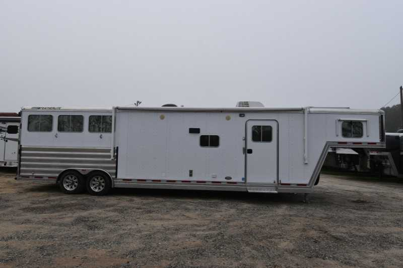 #19818 - Used 2011 Featherlite 8314GLQ 3 Horse Trailer with 14' Short Wall