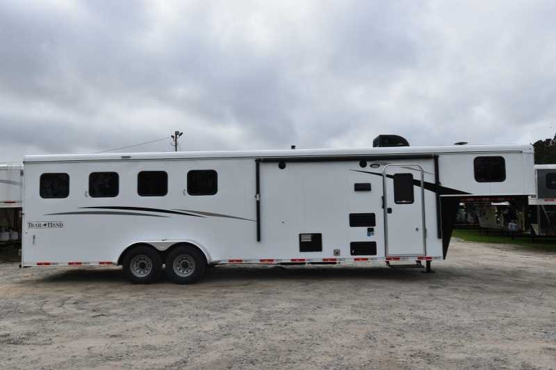 #08261 - New 2019 Bison Trail Hand 7409 4 Horse Trailer with 9' Short Wall