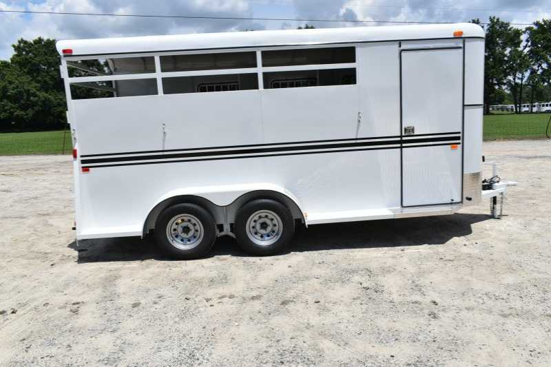 #77797 - New 2018 Bee 3HBPSLDLX 3 Horse Trailer with 2' Short Wall