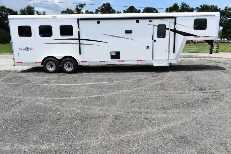 #08437 - New 2019 Bison Trail Boss 7311 3 Horse Trailer with 11' Short Wall