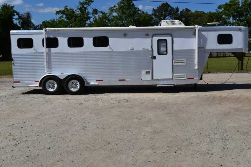 #38037 - Used 2006 Exiss 7407 4 Horse Trailer with 7' Short Wall