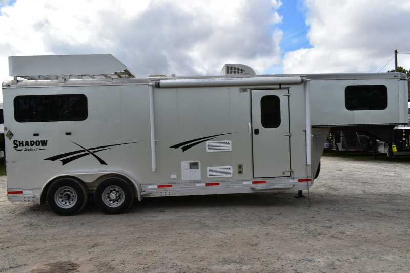 #73773 - Used 2015 Shadow 7208GLQ 2 Horse Trailer with 8' Short Wall