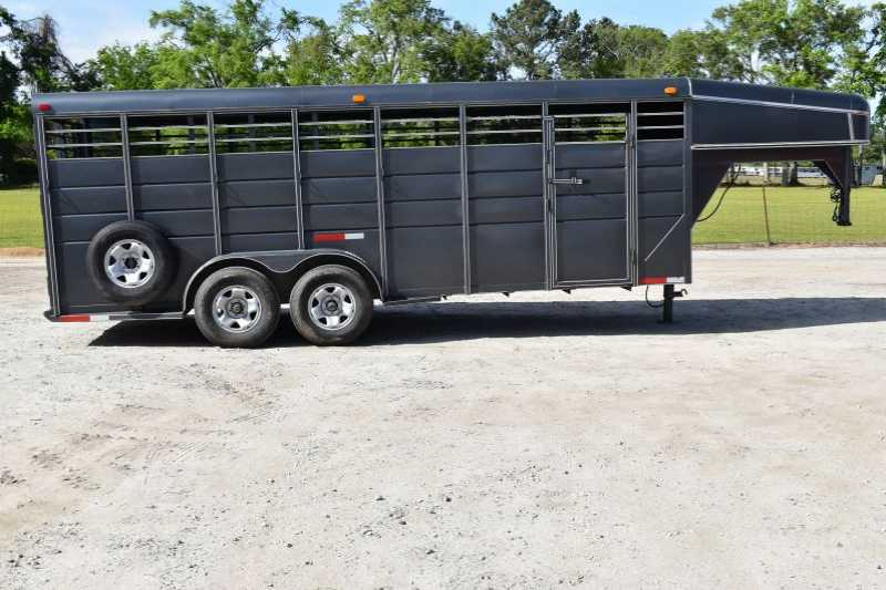 #01485 - Used 2015 Calico 20' Stock Trailer