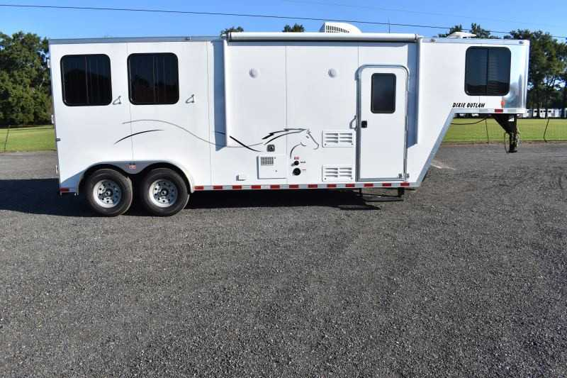 #00404 - New 2019 Harmar Dixie Star Outlaw 7208GLQ 2 Horse Trailer  with 8' Short Wall