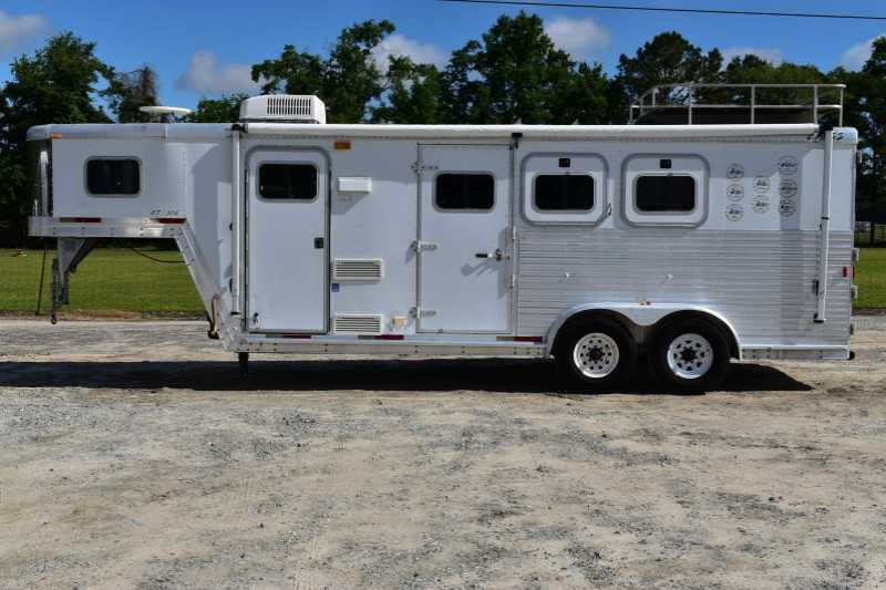 #16263 - Used 2003 Exiss 7306LQ 3 Horse Trailer with 6' Short Wall