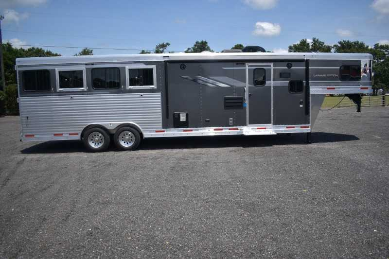 #00614 - New 2019 SMC SL8411SFK 4 Horse Trailer with 11' Short Wall