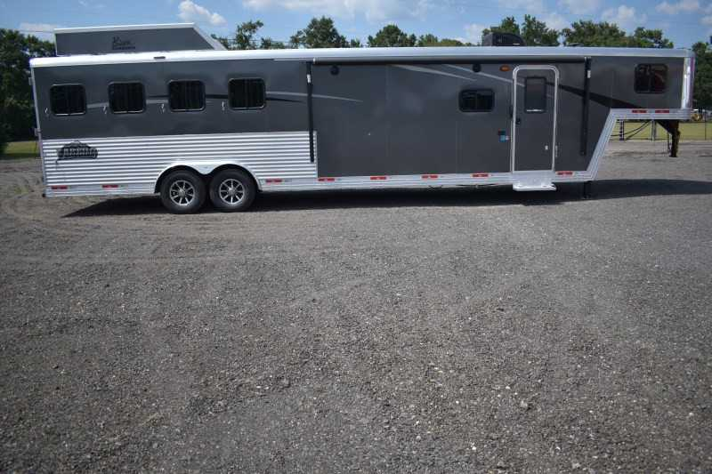 #08537 - New 2019 Bison Laredo 8413RSGB 4 Horse Trailer with 13' Short Wall