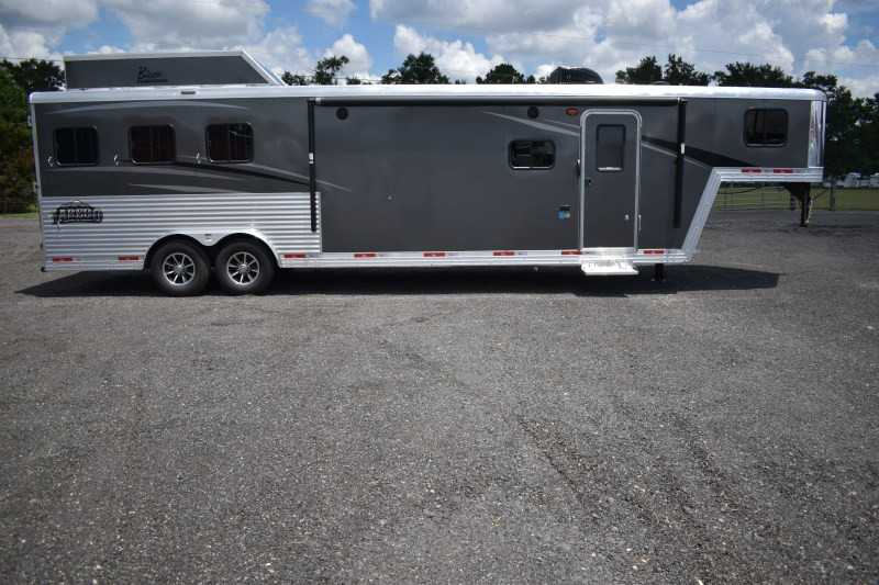#08532 - New 2019 Bison Laredo 8313GBSO 3 Horse Trailer  with 13' Short Wall