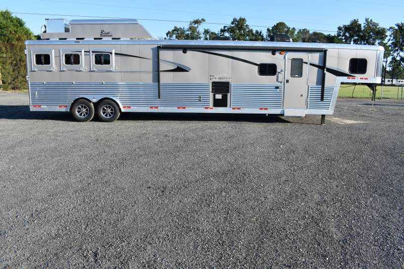 #08534 - New 2019 Bison Premiere 8317SSDSUG 3 Horse Trailer with 17' Short Wall