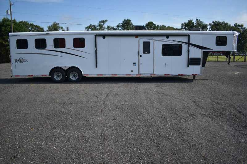 #08549 - New 2019 Bison Ranger 8414L 4 Horse Trailer with 14' Short Wall