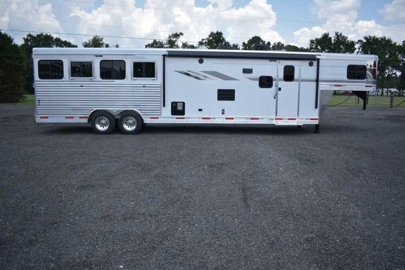 #00624 - New 2019 SMC SL8413SSR 4 Horse Trailer  with 13' Short Wall